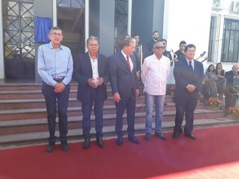 Nova prefeitura na margem do Madeira