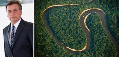 Presidente Bolsonaro assina projeto que libera garimpo em terras indígenas