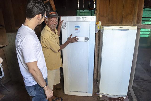Energisa beneficiará mais de 100 consumidores com geladeiras e lâmpadas novas e mais econômicas em Candeias do Jamari - Gente de Opinião