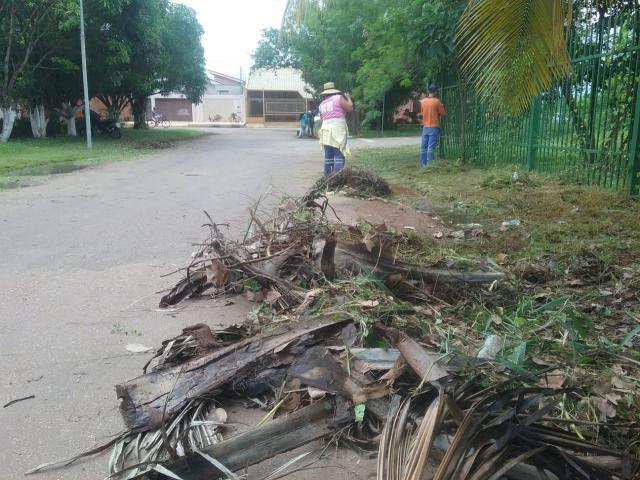 Prefeitura de Porto Velho retira entulhos no bairro Flodoaldo Pontes Pinto - Gente de Opinião