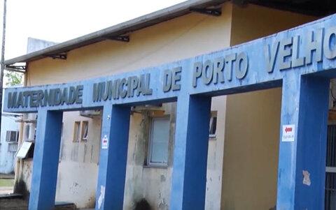 Mulher vai para a maternidade de Porto Velho dar à luz, mas a criança nasce na calçada