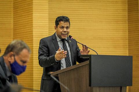 Lei que obriga notificação para vistoria no medidor de energia é sancionada pelo governador Marcos Rocha