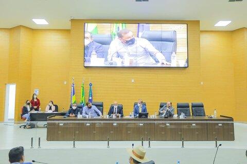 Deputados e prefeitos discutem dívidas de grandes empresas com o Governo de Rondônia