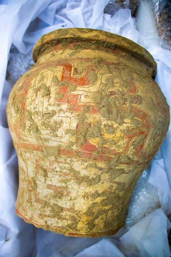 O transporte dos artefatos foi um desafio à parte para a equipe de arqueólogos do IInstituto Mamirauá - crédito Bernardo Oliveira