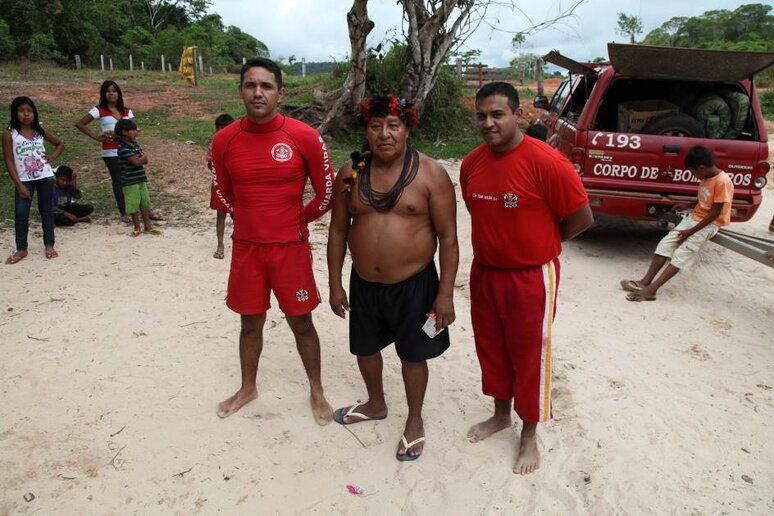 3° Sgt BM Douglas, Cabo BM Hiuri e João Brabo
