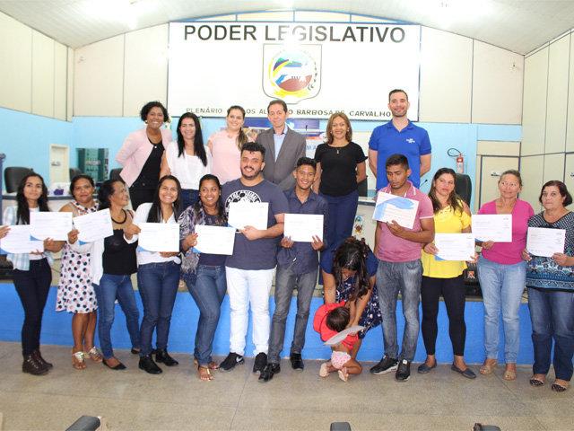 Sistema Fecomércio/Senac e Sebrae entregam certificados a formandos em Candeias do Jamari - Gente de Opinião