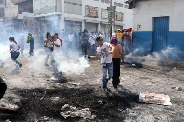 Confrontos registrados do lado venezuelano da fronteira com a Colômbia - REUTERS/Andres Martinez Casares/direitos reservados - Gente de Opinião