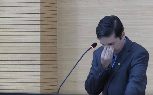 Juiz de Rondônia se emociona ao lembrar de filho autista em solenidade na Assembleia Legislativa - Gente de Opinião