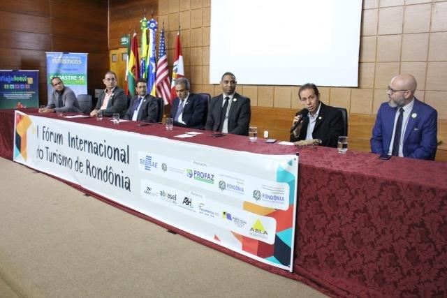 Turismo de Pesca e Desenvolvimento Aéreo Regional são discutidos durante I Fórum Internacional do Turismo de Rondônia - Gente de Opinião