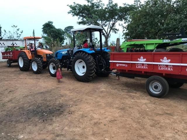 Prefeitura entrega tratores para fomentar a agricultura familiar em Castanheiras - Gente de Opinião
