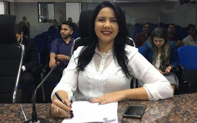 Lei da vereadora Cristiane Lopes sobre atendimento preferencial às pessoas com fibromialgia entra em vigor - Gente de Opinião