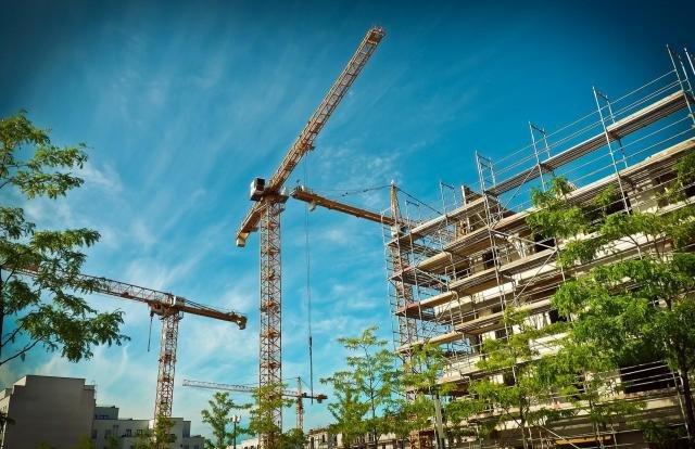 https://www.pexels.com/photo/newly-make-high-rise-building-162557/ - Gente de Opinião
