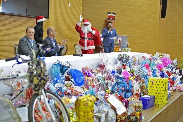 Servidores da Assembleia garantem sorriso de 550 crianças através da Campanha Papai Noel dos Correios - Gente de Opinião