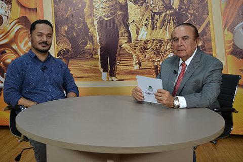 Dr. Aparício Carvalho conversa com o coordenador do curso de Fisioterapia da FIMCA, professor Reinaldo dos Anjos.