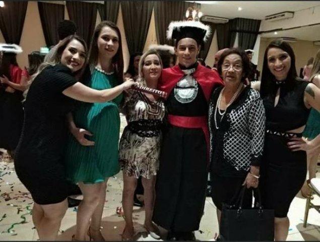 Maria José de Oliveira Urizzi e os netos - Gente de Opinião