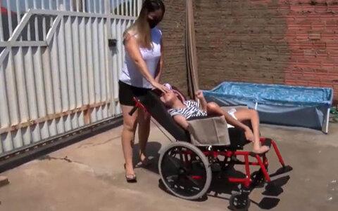 Carros de aplicativo se negam a transportar cadeirantes
