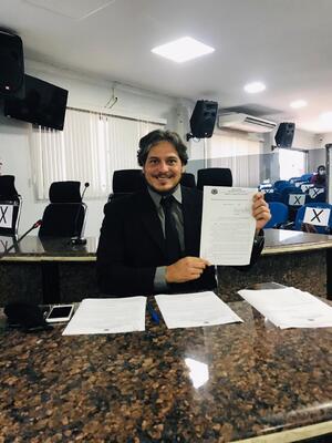 """Vereador Waldemar Neto protocola projeto de lei que cria """"Meu emprego, Vaga certa""""."""
