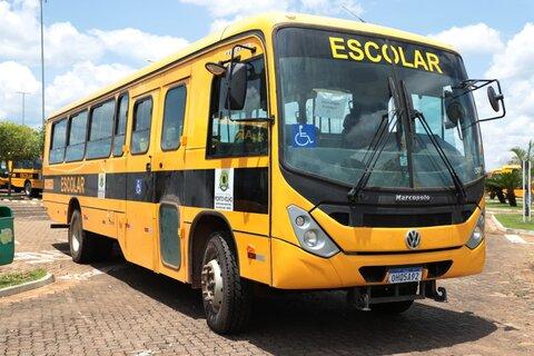 Prefeitura inicia translado de ônibus que transportarão alunos zona rural