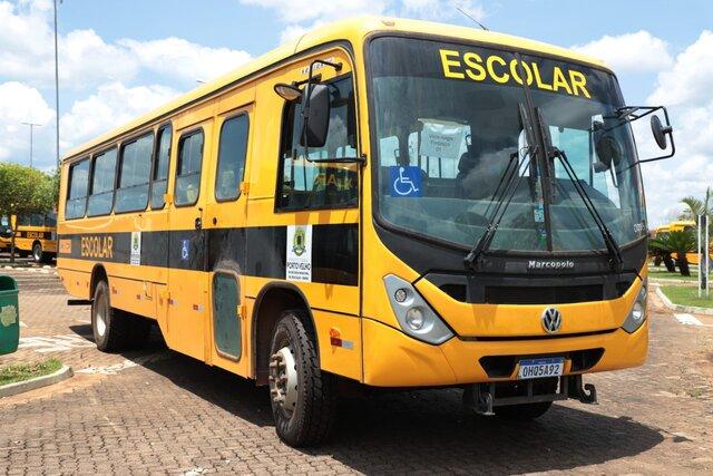 Prefeitura inicia translado de ônibus que transportarão alunos zona rural - Gente de Opinião