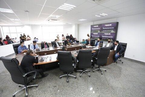 Oficiais de Justiça dizem que projeto do Judiciário tem erros e é inconstitucional; deputado Jean Oliveira ressaltou a importância dessa discussão