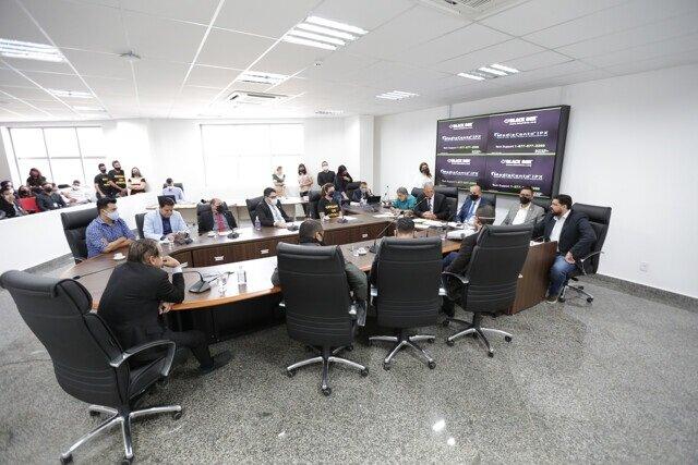 Oficiais de Justiça dizem que projeto do Judiciário tem erros e é inconstitucional; deputado Jean Oliveira ressaltou a importância dessa discussão - Gente de Opinião