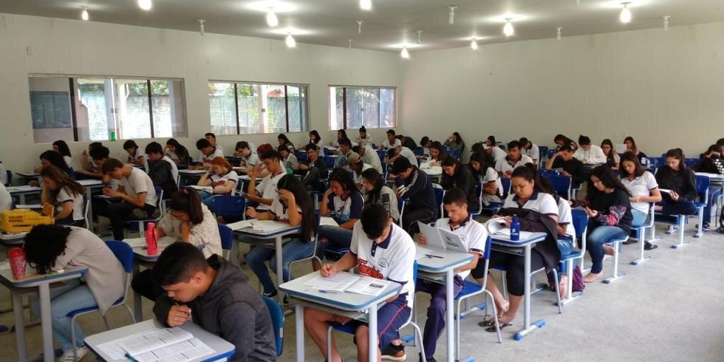 Relatório mostra opinião pública desfavorável ao retorno das aulas. - Gente de Opinião