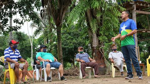 Deputado Sargento Eyder Brasil se reúne com moradores da bacia leiteira