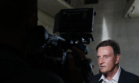 Prefeito do Rio de Janeiro, Marcelo Crivella, é encaminhado à polícia