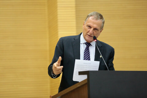 Deputado Adelino Follador pede redução do ICMS nos produtos da Cesta Básica
