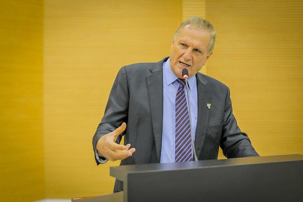 Deputado Adelino Follador insiste na redução do ICMS sobre combustíveis e alimentos - Gente de Opinião