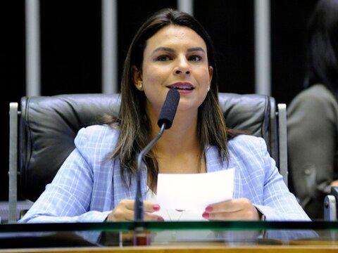 Mariana Carvalho destaca aprovação de programa emergencial para o setor de eventos
