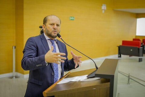 Deputado Cirone Deiró se posiciona mais uma vez contra o fechamento do comércio