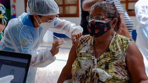 Imunização contra a Covid-19 segue neste sábado com dois pontos de vacinação em Porto Velho