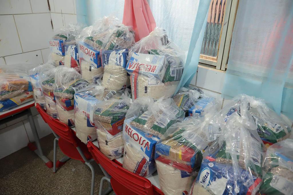Prefeito Hildon Chaves acompanha entrega de Kits Alimentação em escolas municipais - Gente de Opinião