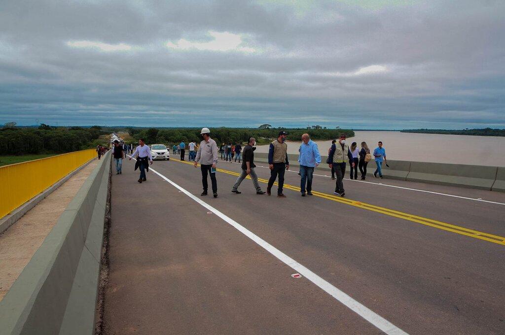 A ponte de mão dupla, com dois acostamentos e passarela, teve custo superior a R$ 160 milhões - Gente de Opinião