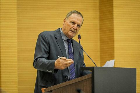 Projeto de lei de autoria do deputado Adelino Follador inclui padres e pastores no grupo prioritário de vacinação contra a Covid-19