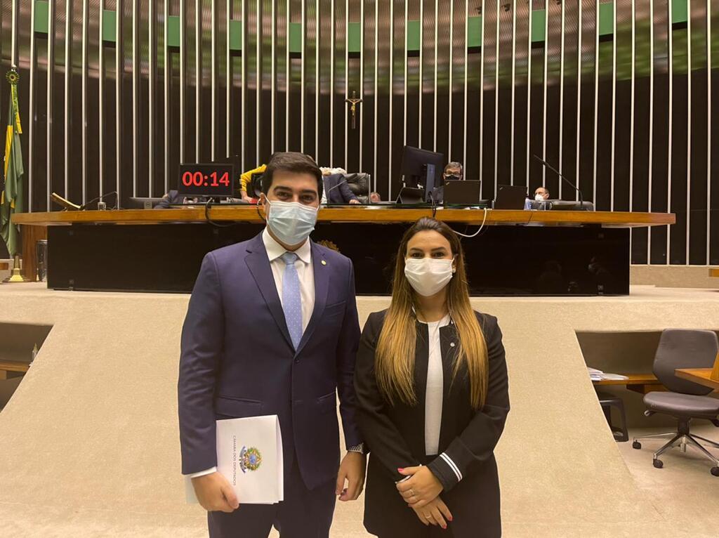 A deputada Mariana Carvalho foi a Presidente da Comissão que debateu a proposta e o Deputado Franco Cartafina o relator. - Gente de Opinião