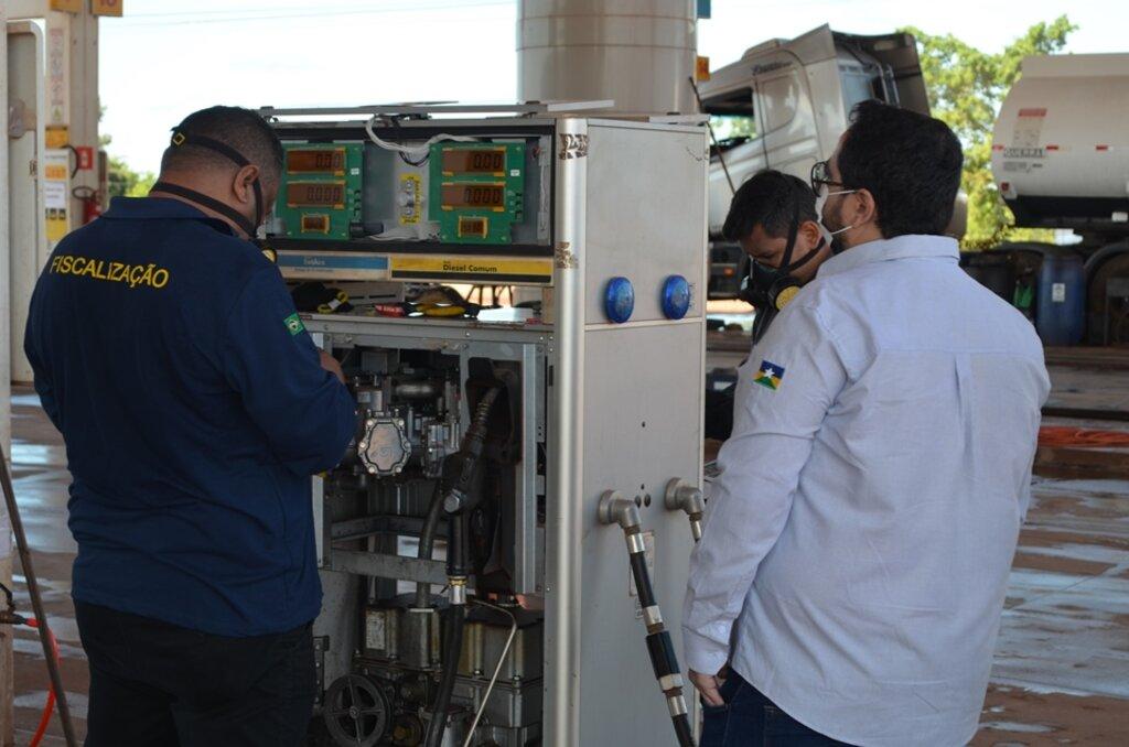 Foram 27 bombas medidoras de combustível reprovadas no período de 26 de abril a 7 de maio - Gente de Opinião