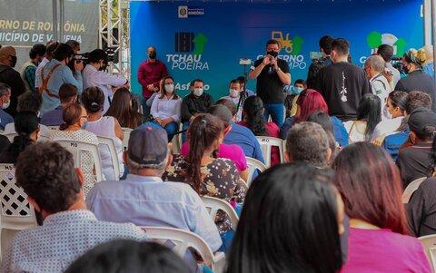 """População de Vilhena recebe governador Marcos Rocha sob forte aplauso durante lançamento do """"Tchau Poeira"""""""