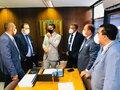 Deputados entregam relatório da CPI da Energisa ao senador Marcos Rogério
