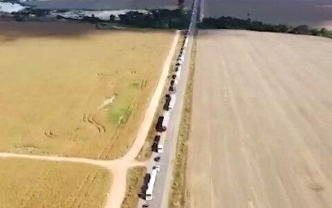 Produtores rurais, que lutam por suas terras, fecham a BR 364