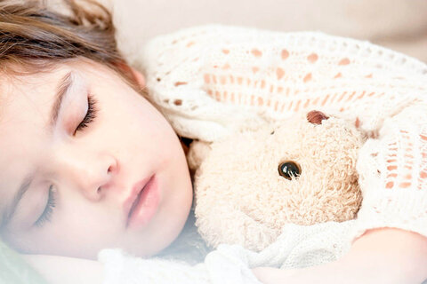 Qual a importância do sono infantil e como ajudar a criança a dormir melhor?