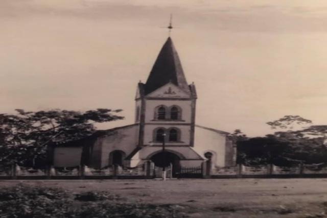 Igreja de Vila Murtinho, uma das melhores estações da Estrada de Ferro Madeira-Mamoré (F.do autor) - Gente de Opinião
