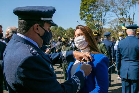 Deputada Mariana Carvalho é homenageada pela Aeronáutica
