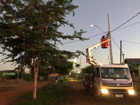 Distritos e zona rural de Porto Velho são atendidos por dois programas de iluminação pública
