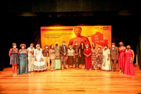 Governo de Rondônia entrega comendas do 1º Prêmio Tereza de Benguela a 15 mulheres negras de destaque em Rondônia