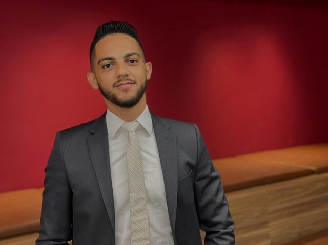 Para Leonardo Lima, formado aos 22 anos, jovem advogado enfrenta desafio de garantir o próprio sustento. - Gente de Opinião