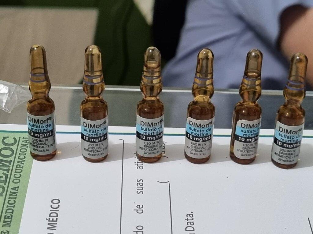 Na clínica foi encontrado vários medicamentos de uso hospitalar, como ampola de morfina, tramal, lidocaína etc... - Gente de Opinião