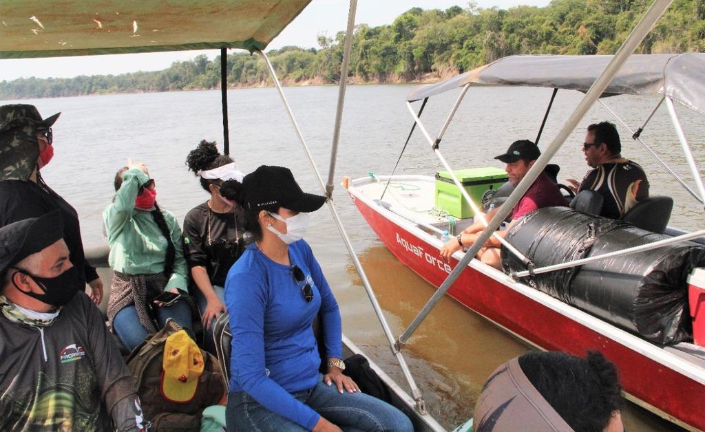 Turistas são orientados pelas equipes quanto descarte do lixo e a pesca predatória - Gente de Opinião