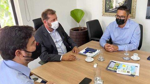 Deputado Anderson Pereira se reúne com prefeito Hildon Chaves para discutir o asfaltamento no bairro Nova Esperança
